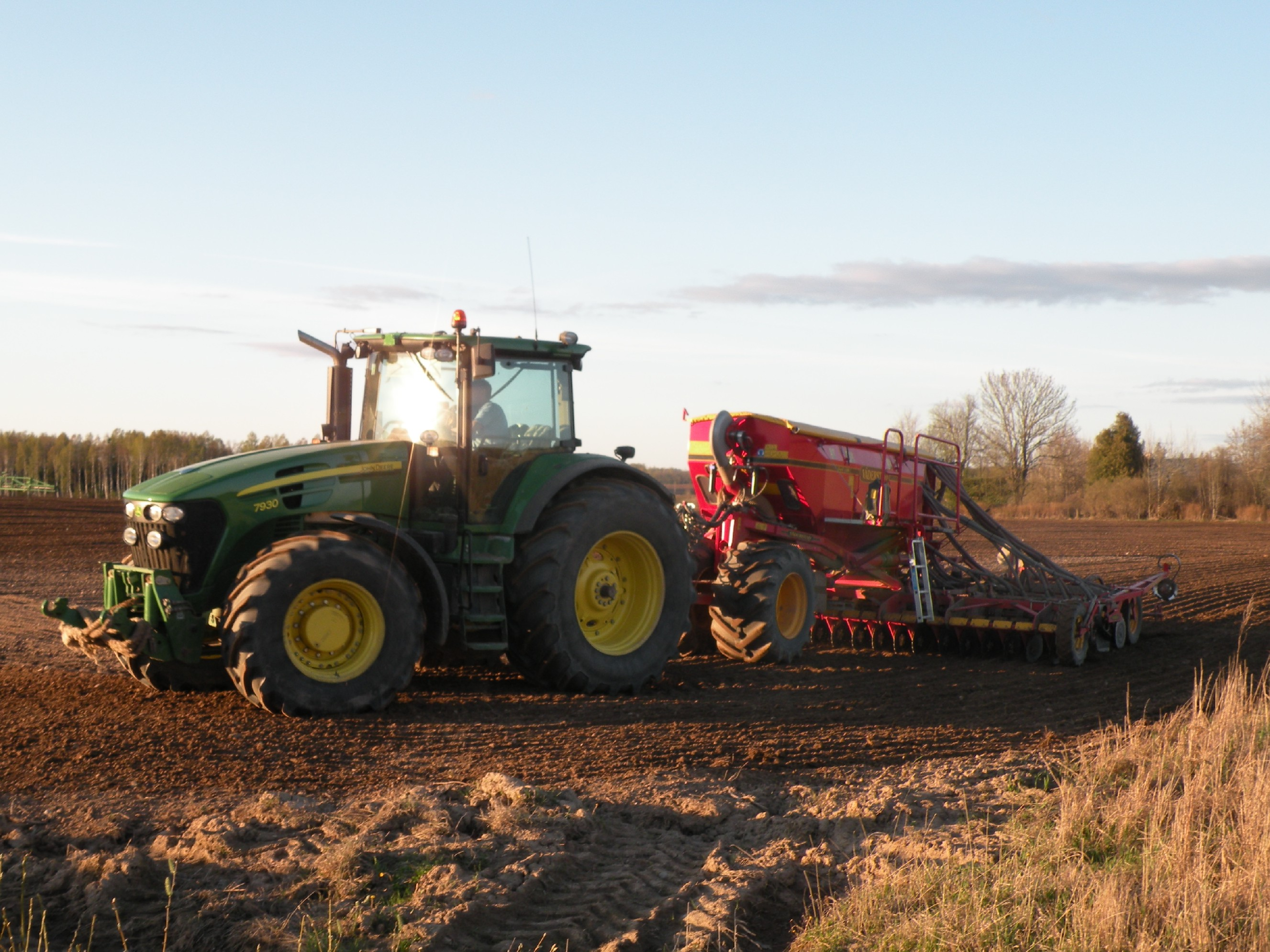 traktors_bildeKrievane.jpg